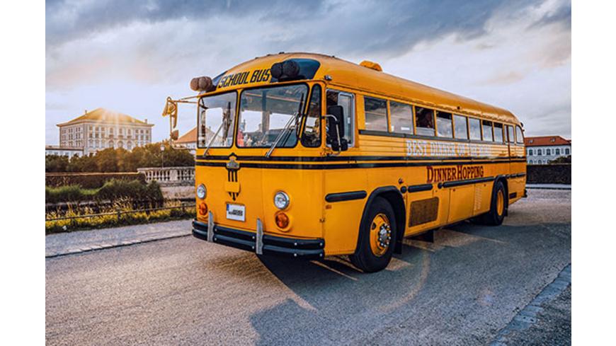 Dinner Hopping im US Schulbus bei München