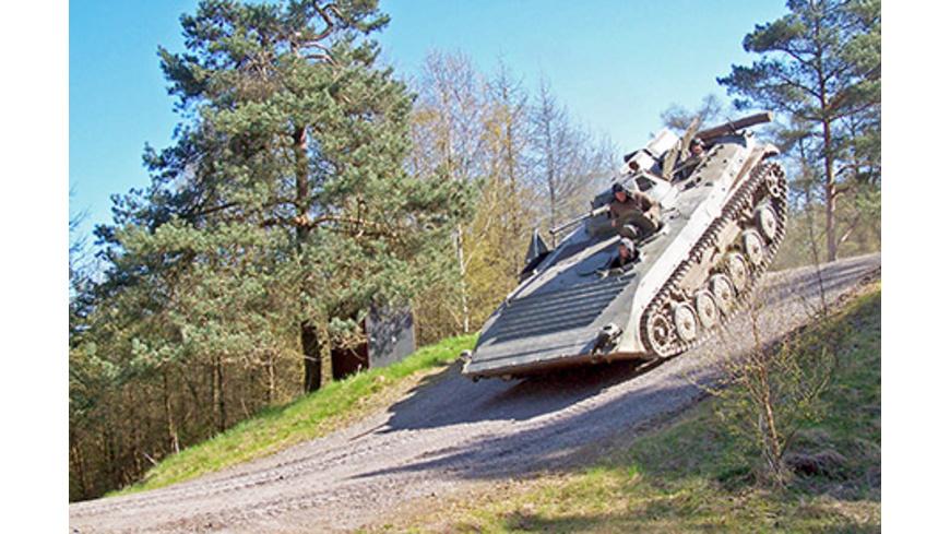 Schützenpanzer selber fahren bei Osnabrueck (60 Min.)