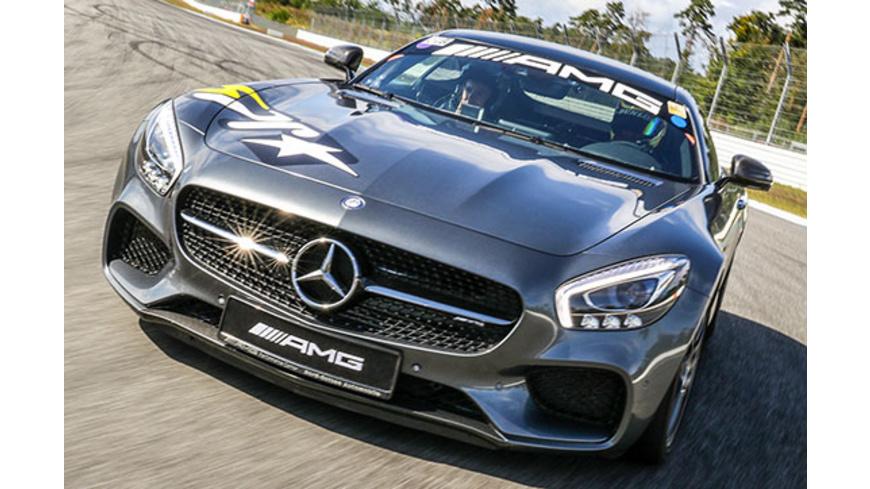 Renntaxi-Duo: Mercedes AMG GT-S vs. Porsche 911 GT3