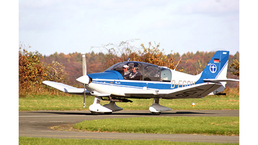 Flugzeug Rundflug für 3 (60 Min.)