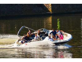Speedboat-Tour auf dem Main für bis zu 11 Personen